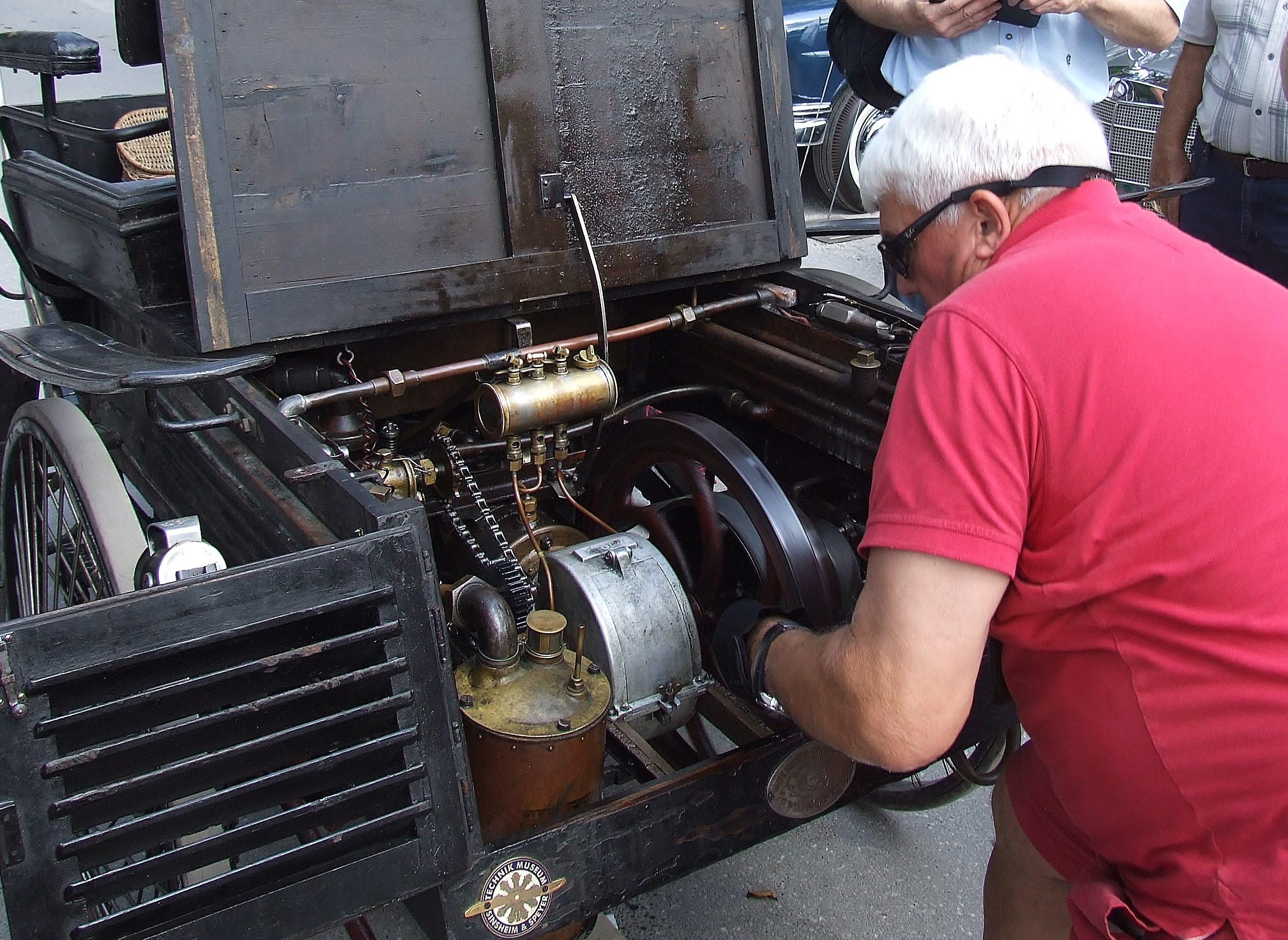Motor se zbudi ob prvem potegu
